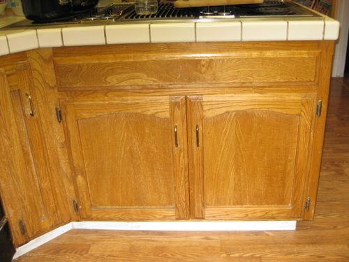 Auction girl vintage met monday black kitchen cabinets for Auctions for kitchen cabinets