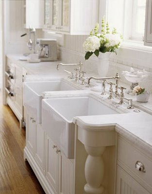 Colonial_Homes_via_classic_style_in_the_city