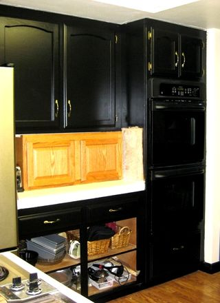 Pictures Of Painted Kitchen Cabinets Black